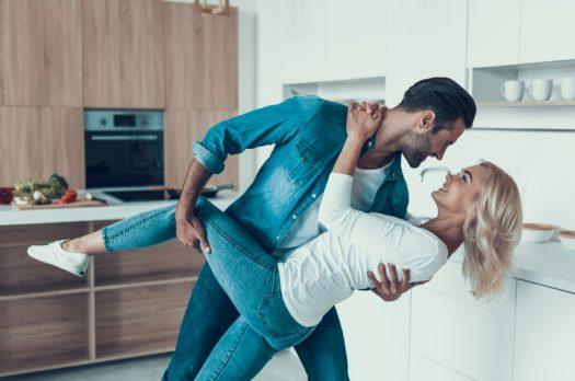 Deze 3 signalen wijzen erop dat de quarantaine je relatie sterker heeft gemaakt